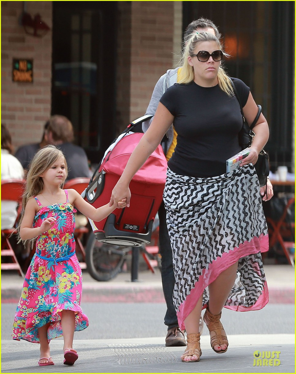 busy philipps post baby body at little doms 262914372