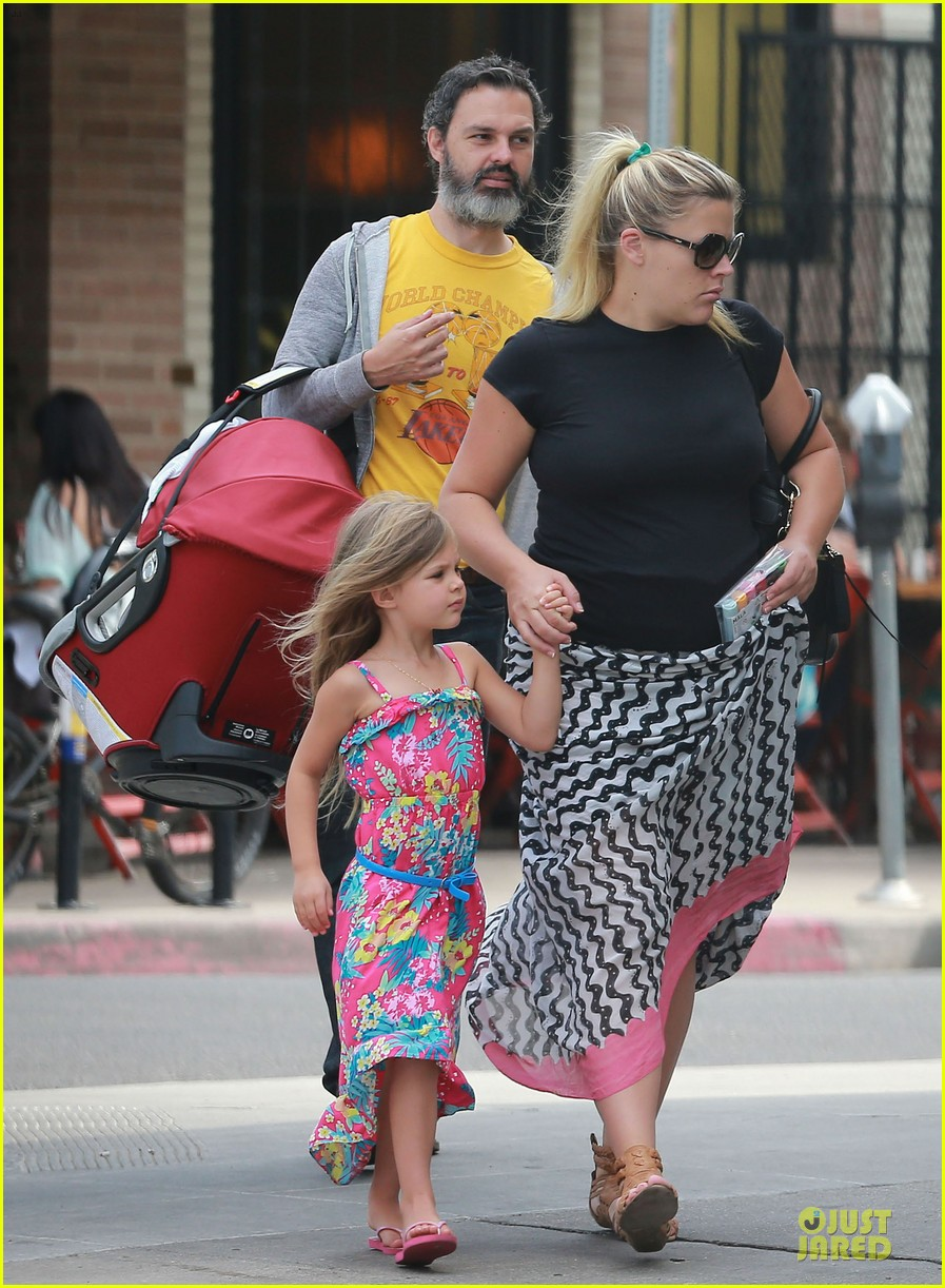 busy philipps post baby body at little doms 272914373