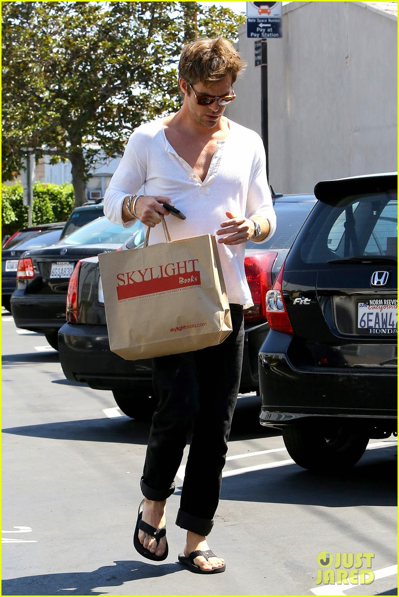 chris pine shows some skin in unbottoned henley 072919179