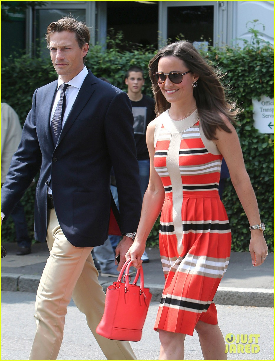 pippa middleton jude law wimbledon spectators 052904539