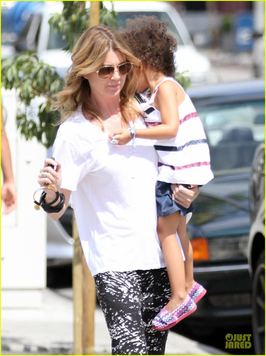 ellen pompeo showcases arm strength with stella 022917993