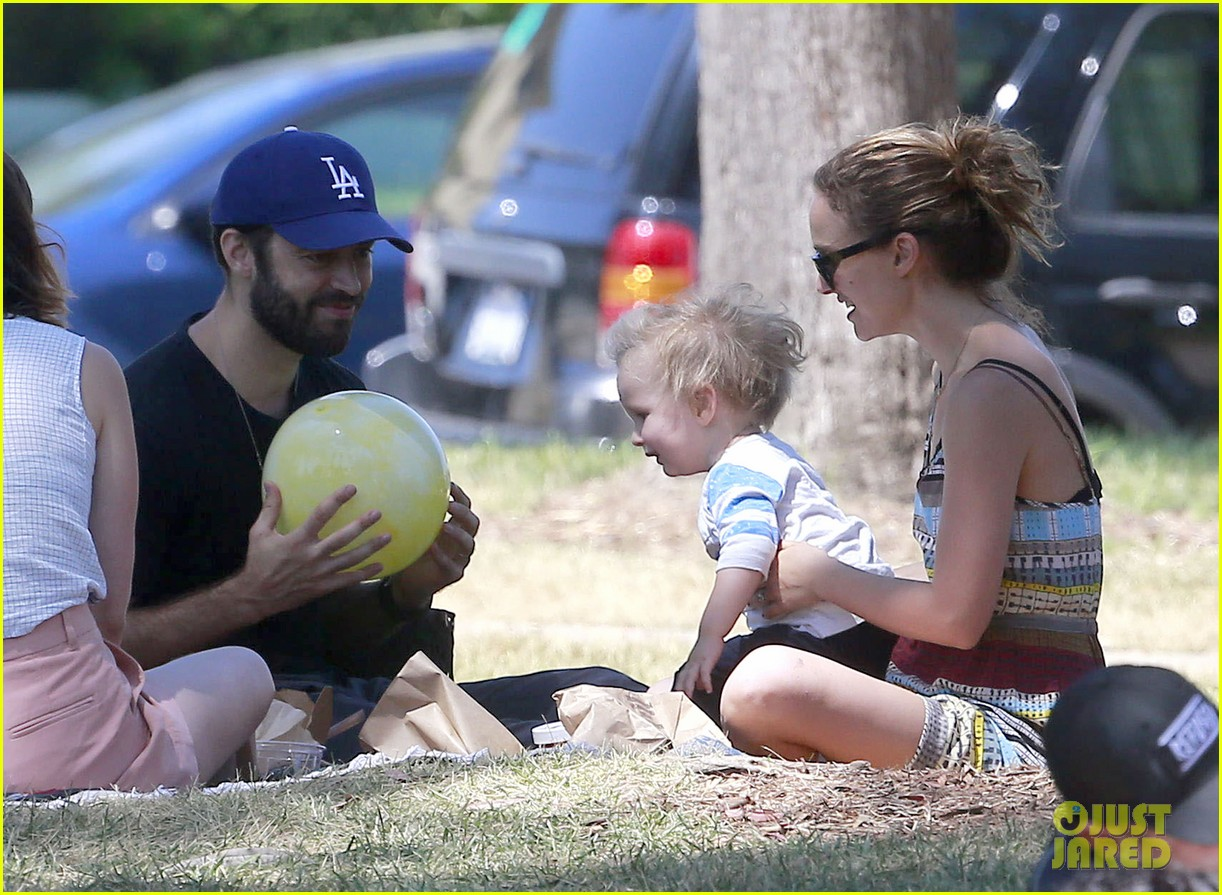 natalie portman family july fourth weekend 182905742