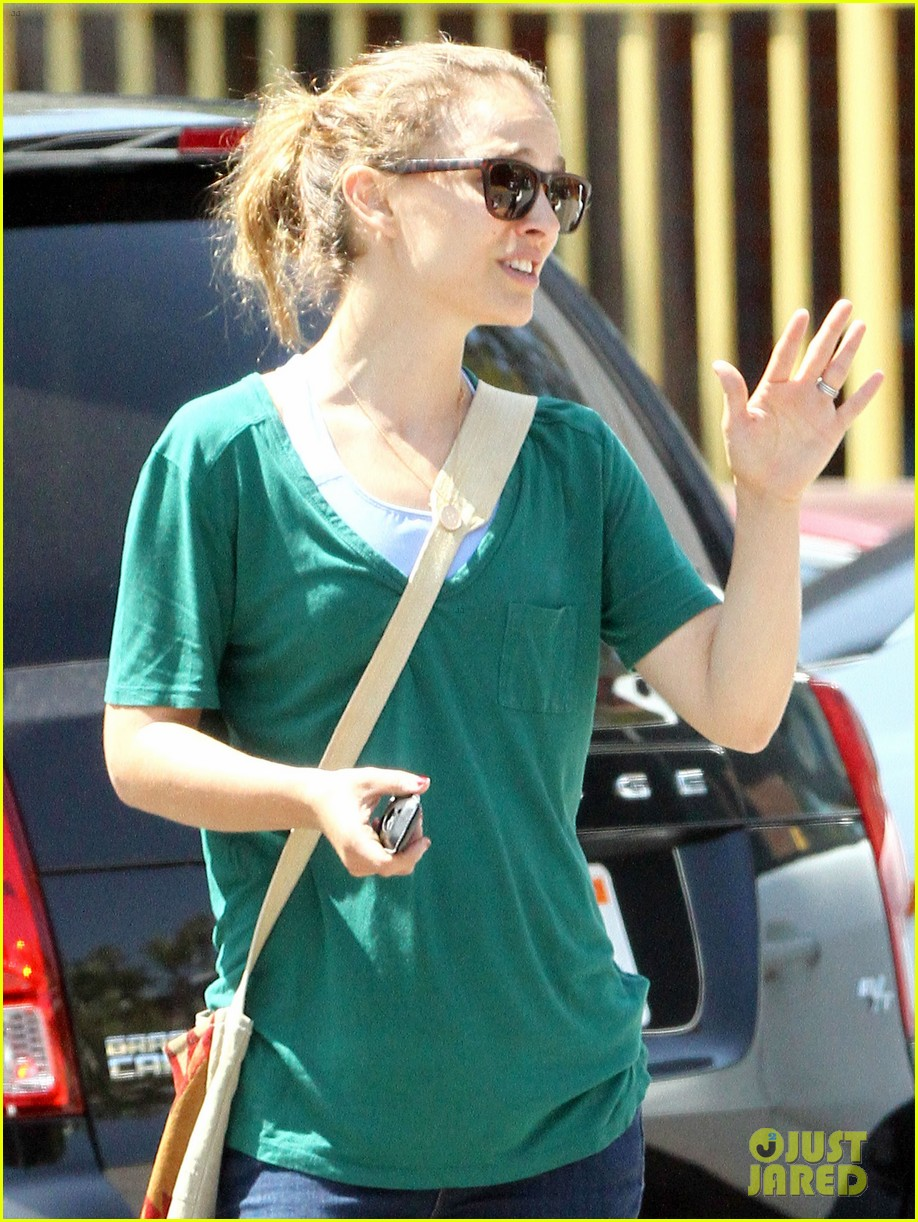 natalie portman monday morning outing with aleph 082919454