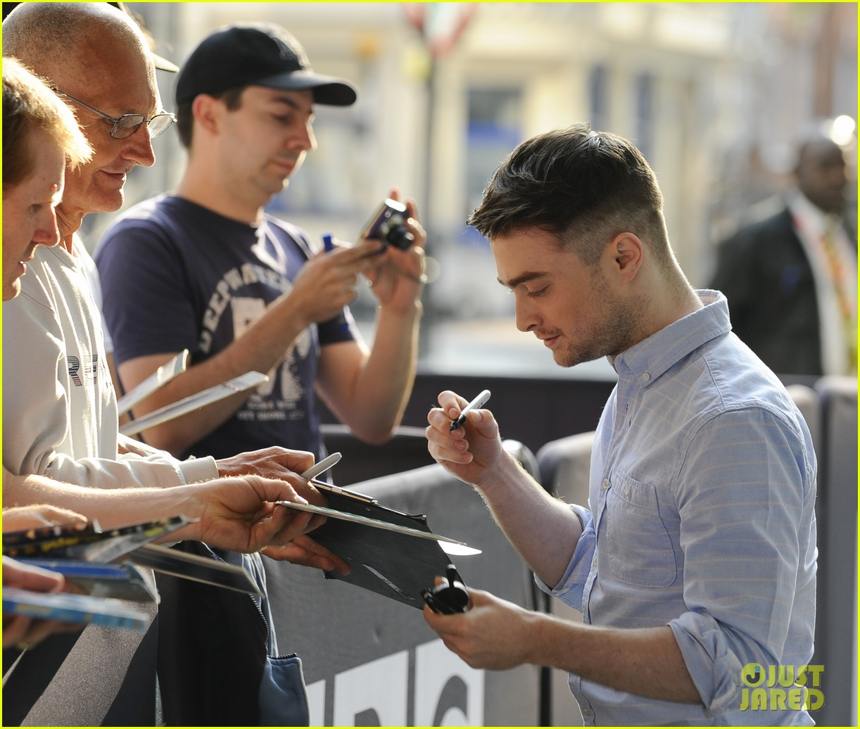 daniel radcliffe im going to watch teen wolf with miley cyrus 102911822