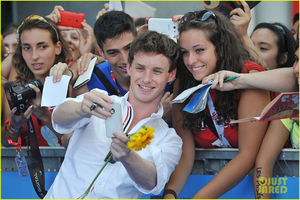 eddie redmayne giffoni film festival photo call 17