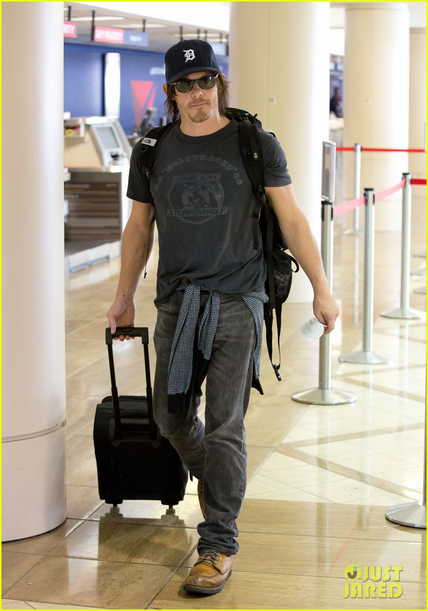 norman reedus explains arrow supply on walking dead 012916654