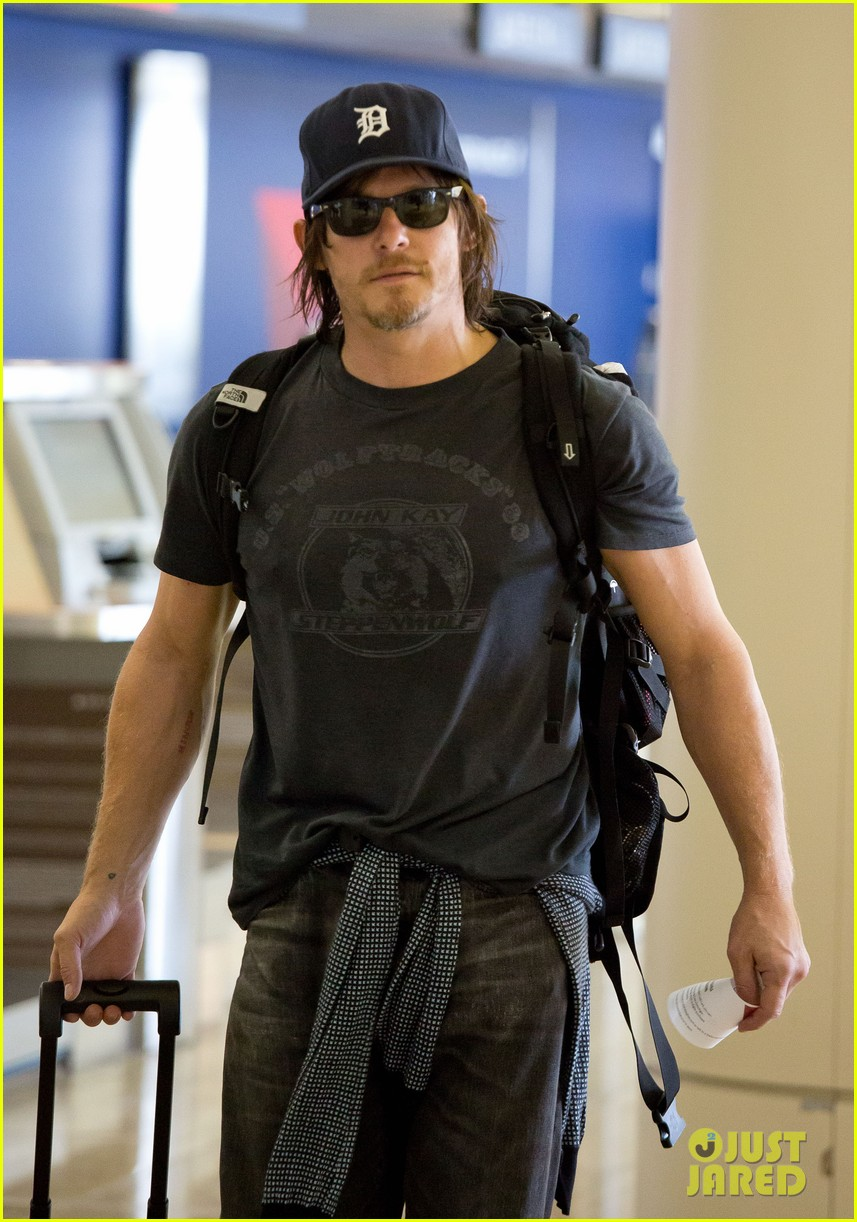 norman reedus explains arrow supply on walking dead 03