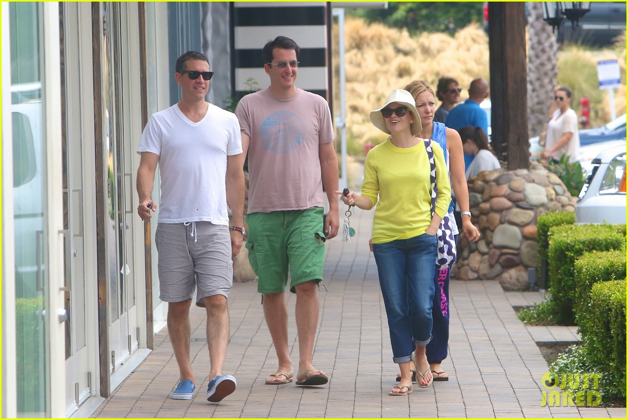 reese witherspoon jim toth breakfast after july fourth 122904611