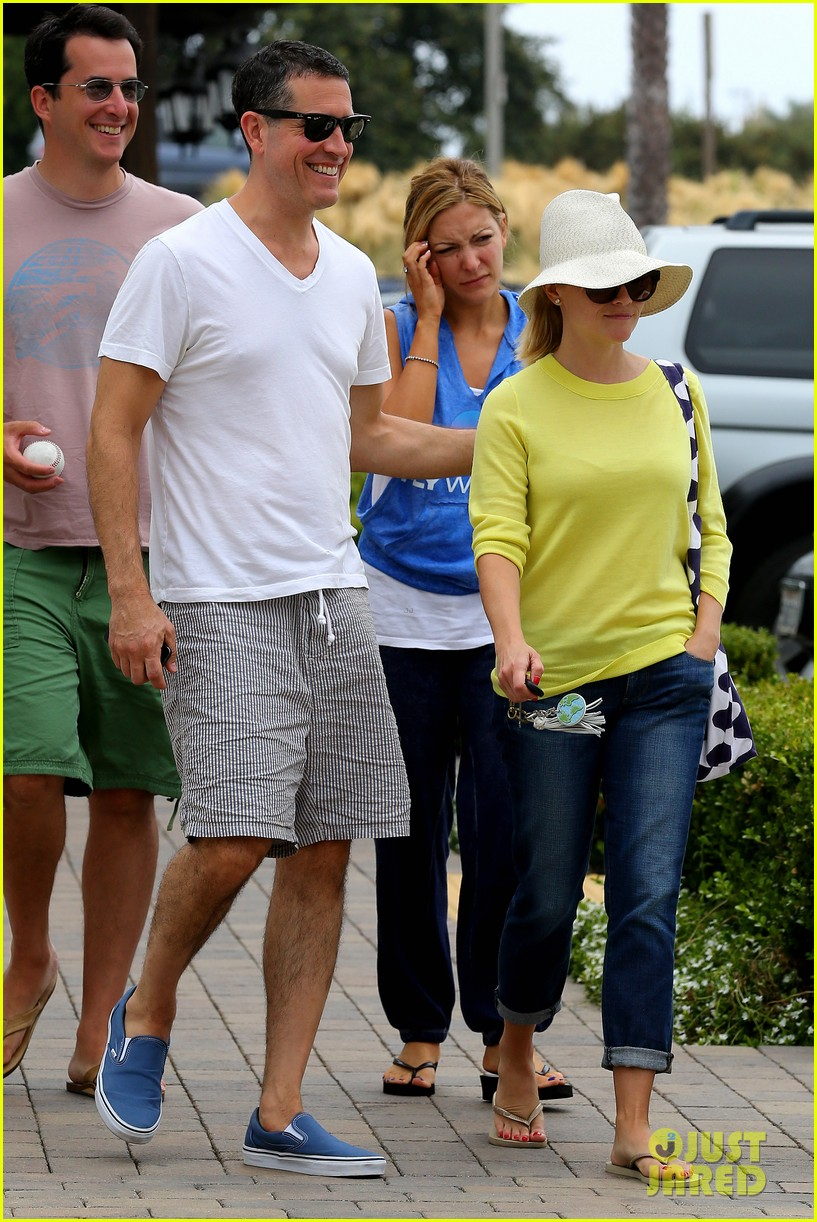 reese witherspoon jim toth breakfast after july fourth 17