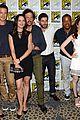 revolution grimm casts attend comic con panels 30