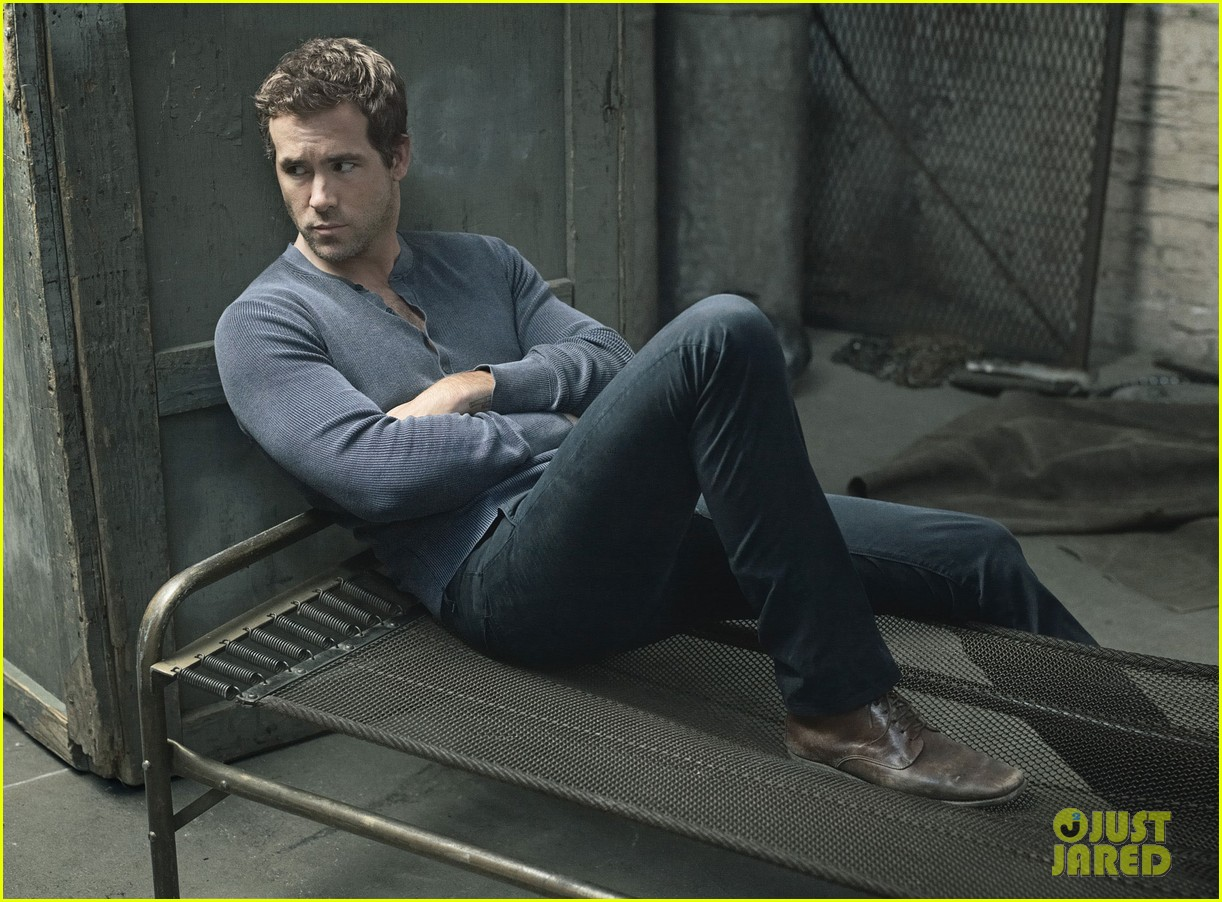 ryan reynolds covers details august 2013 032906019