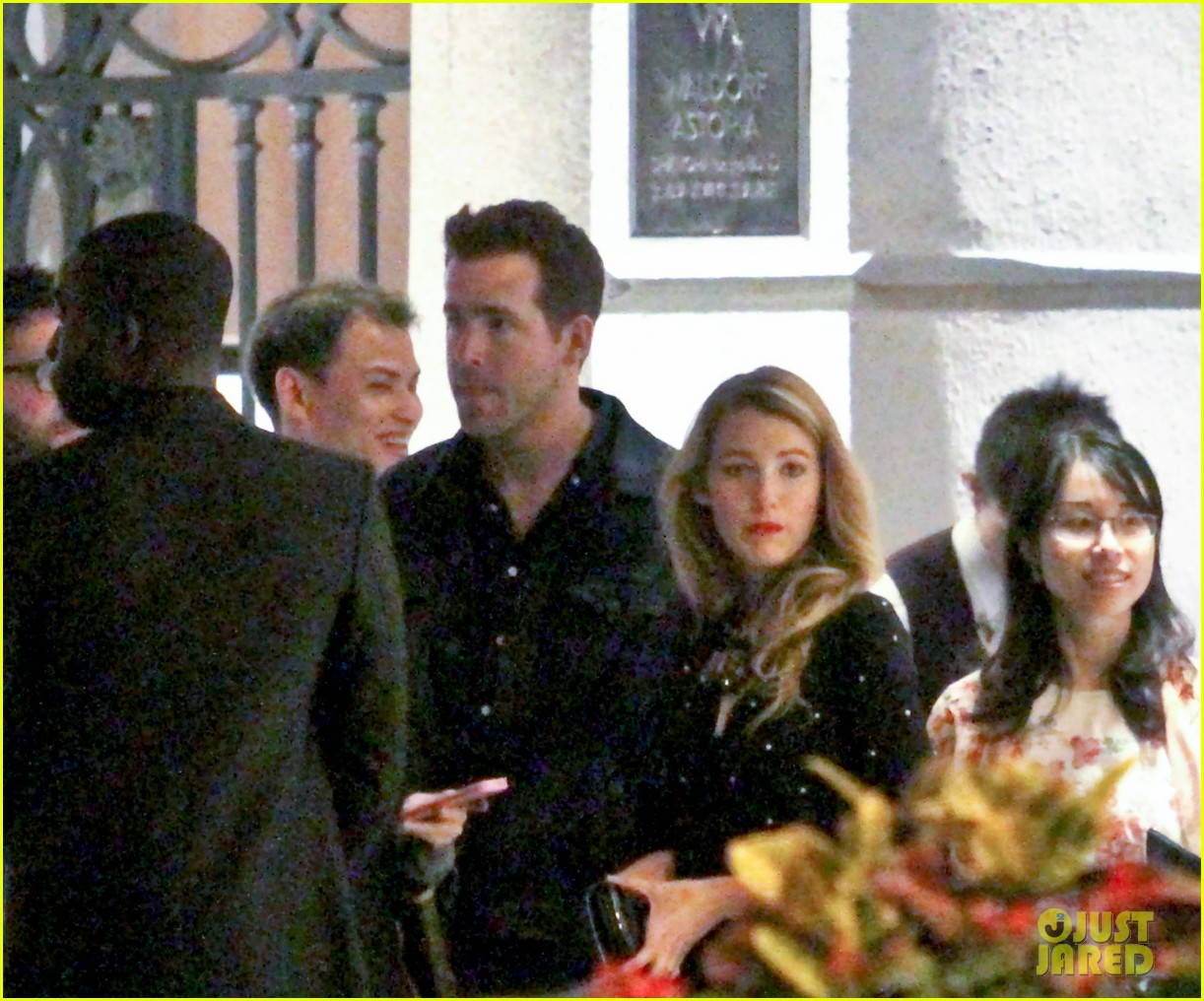 blake lively ryan reynolds dine out in shanghai 06