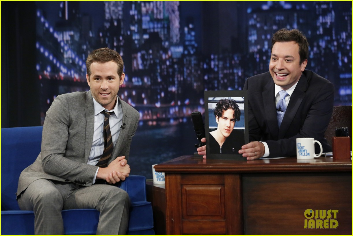 ryan reynolds gets soaking wet in jimmy fallon water war 012911995
