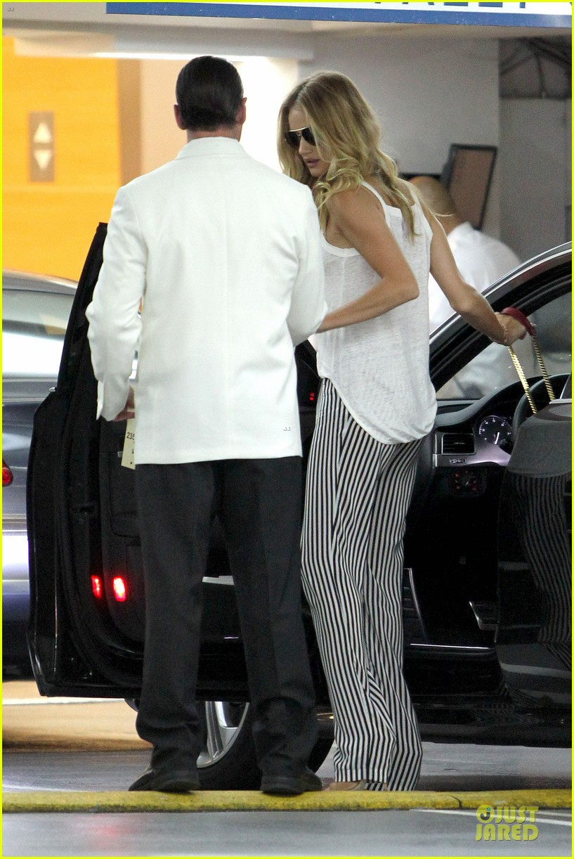 rosie huntington whiteley jason statham doctor appointment after lunch 182910616