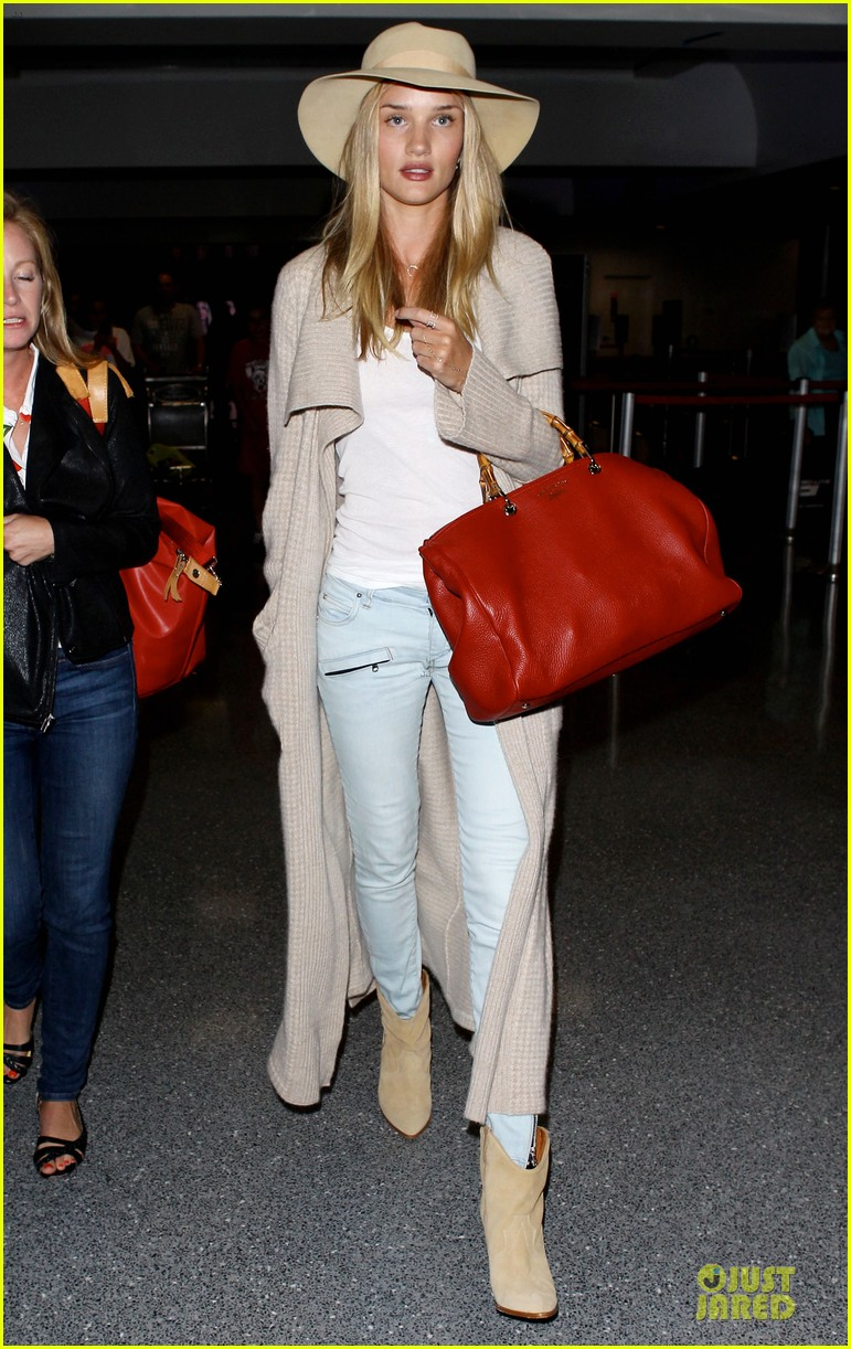 rosie huntington whiteley lax departure after jason statham lunch date 032905369