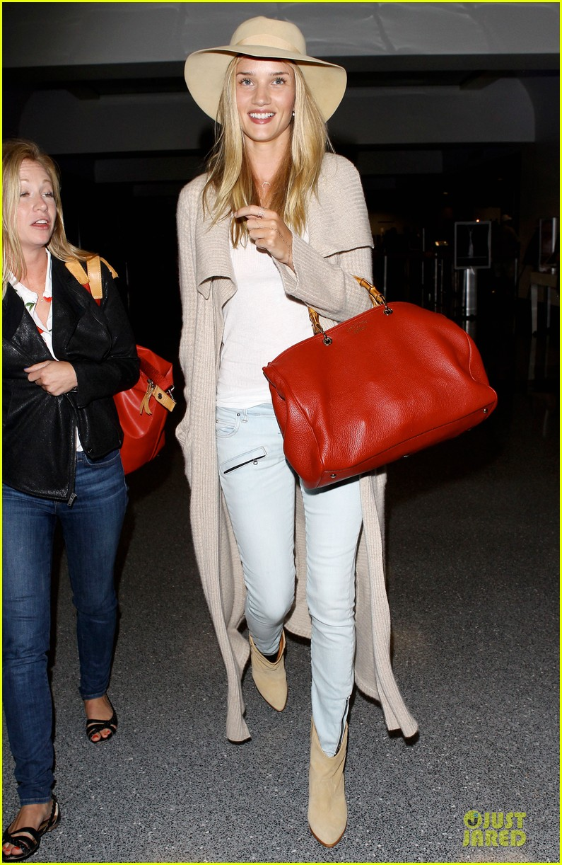 rosie huntington whiteley lax departure after jason statham lunch date 052905371
