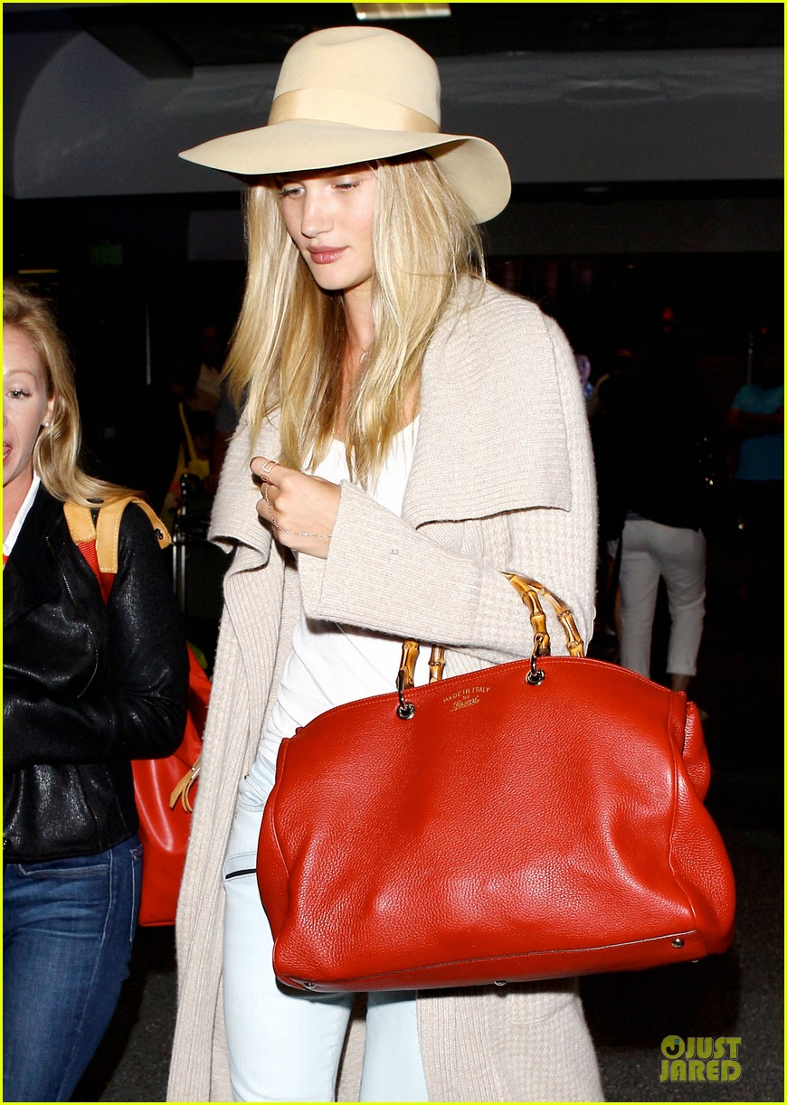 rosie huntington whiteley lax departure after jason statham lunch date 072905373