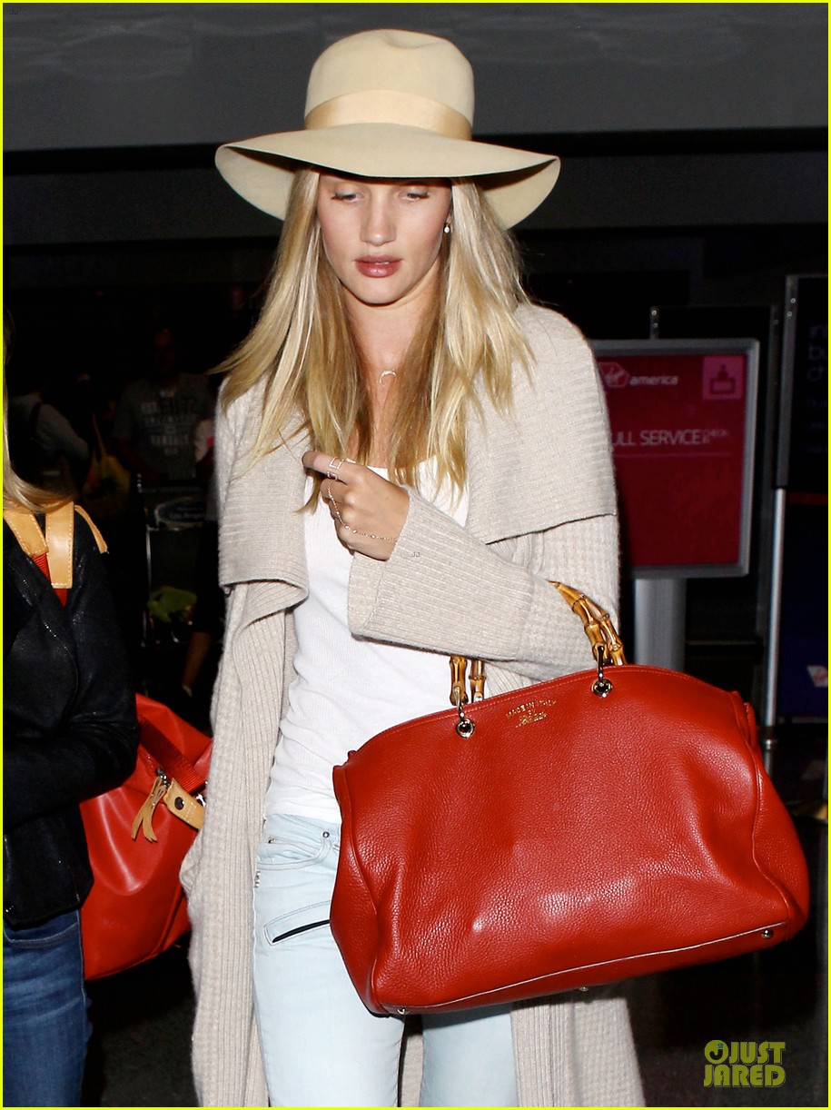 rosie huntington whiteley lax departure after jason statham lunch date 082905374