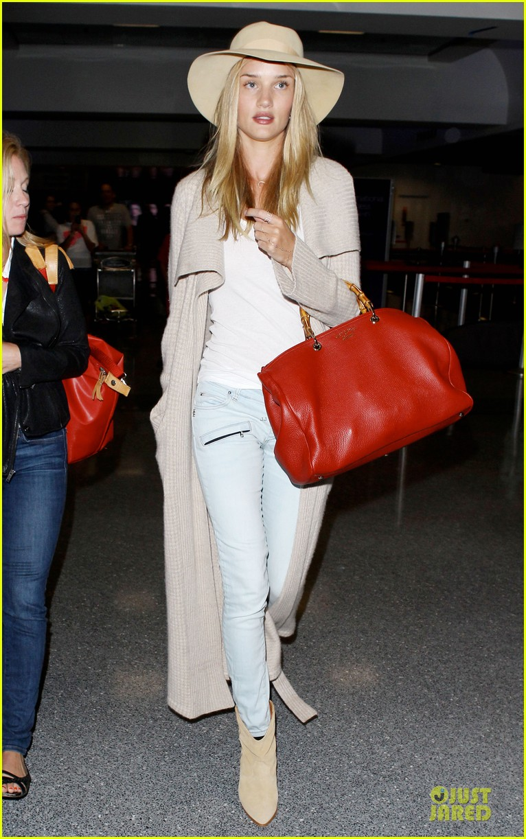 rosie huntington whiteley lax departure after jason statham lunch date 102905376