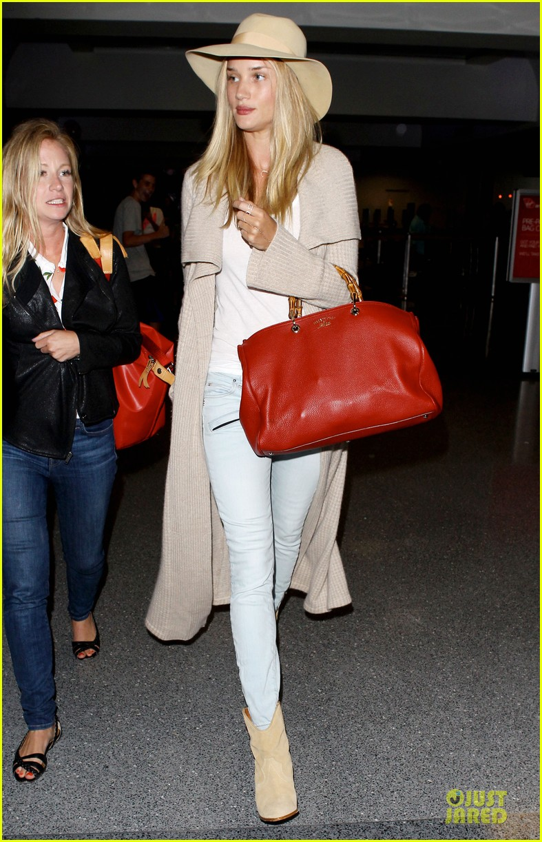 rosie huntington whiteley lax departure after jason statham lunch date 12