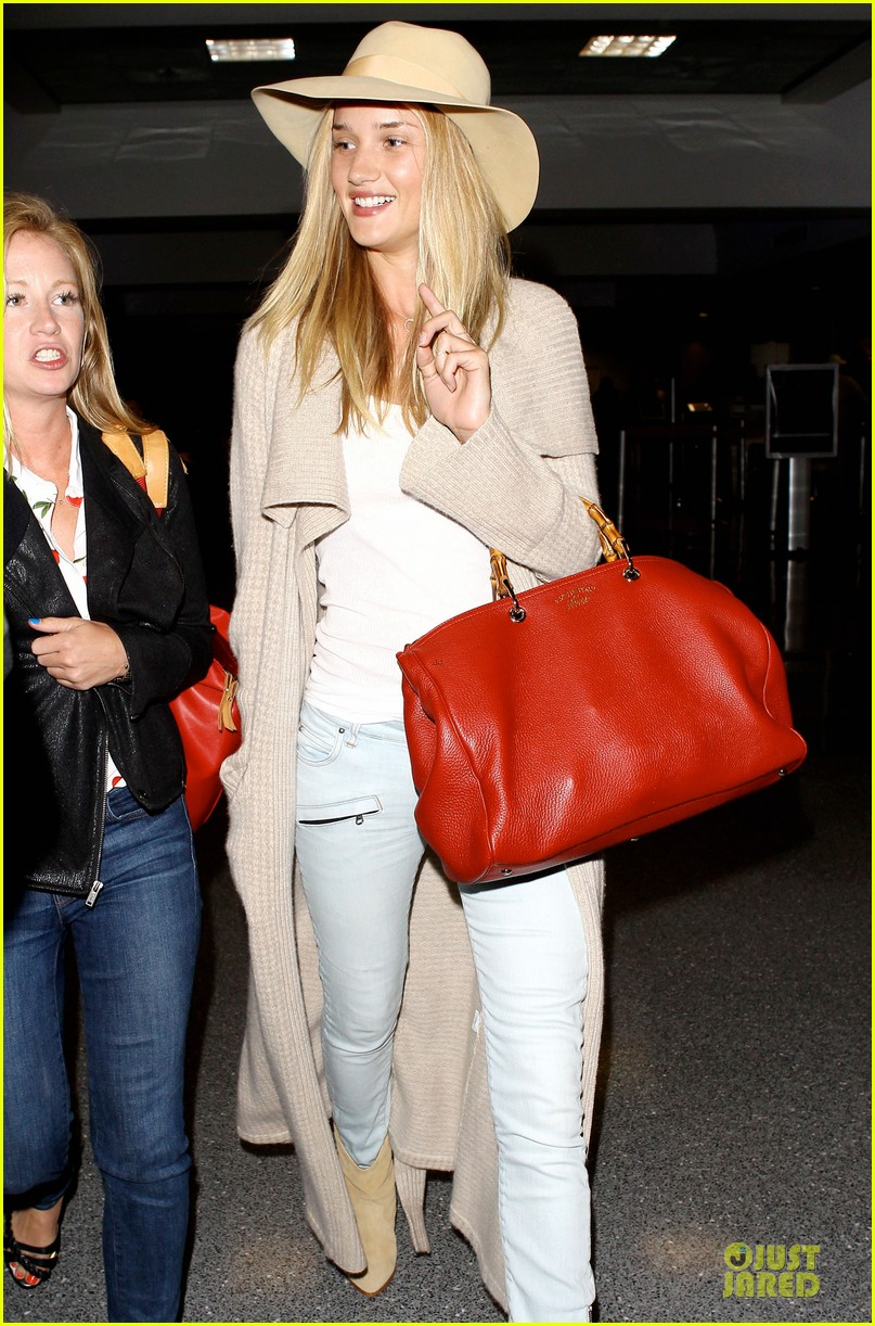 rosie huntington whiteley lax departure after jason statham lunch date 142905380