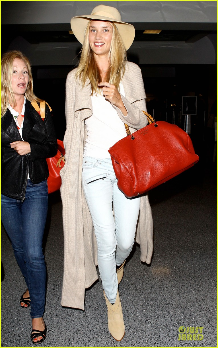 rosie huntington whiteley lax departure after jason statham lunch date 152905381