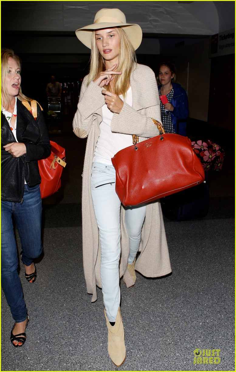 rosie huntington whiteley lax departure after jason statham lunch date 182905384