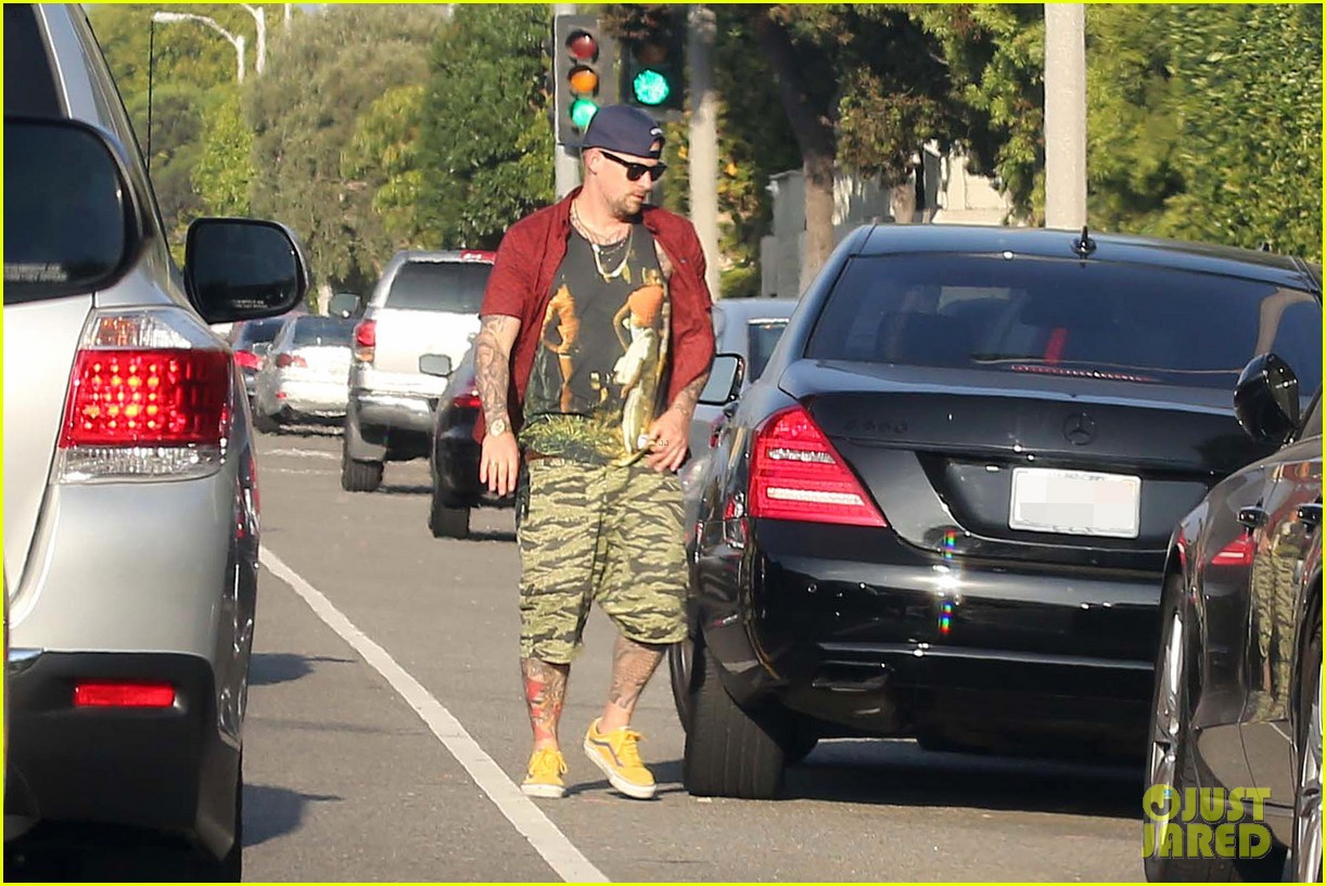 nicole richie beachfront weekend with joel madden 01