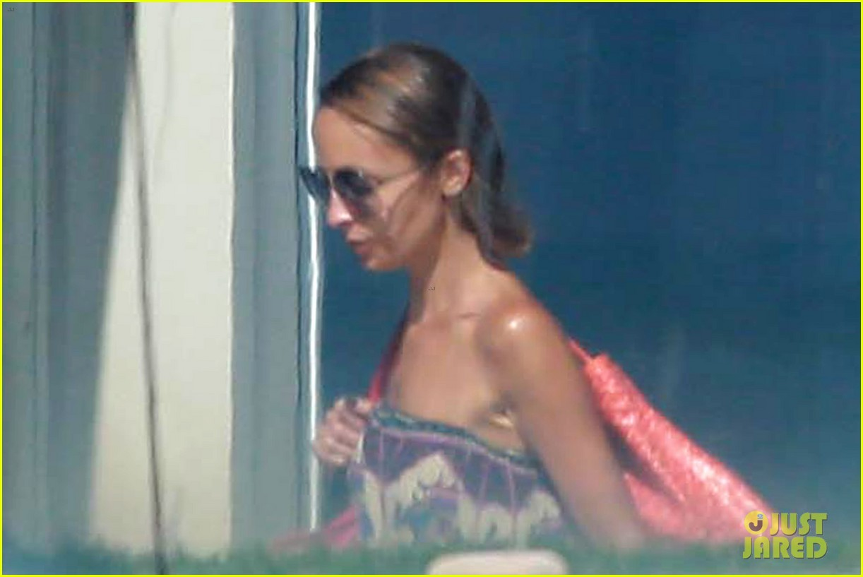 nicole richie beachfront weekend with joel madden 062905939