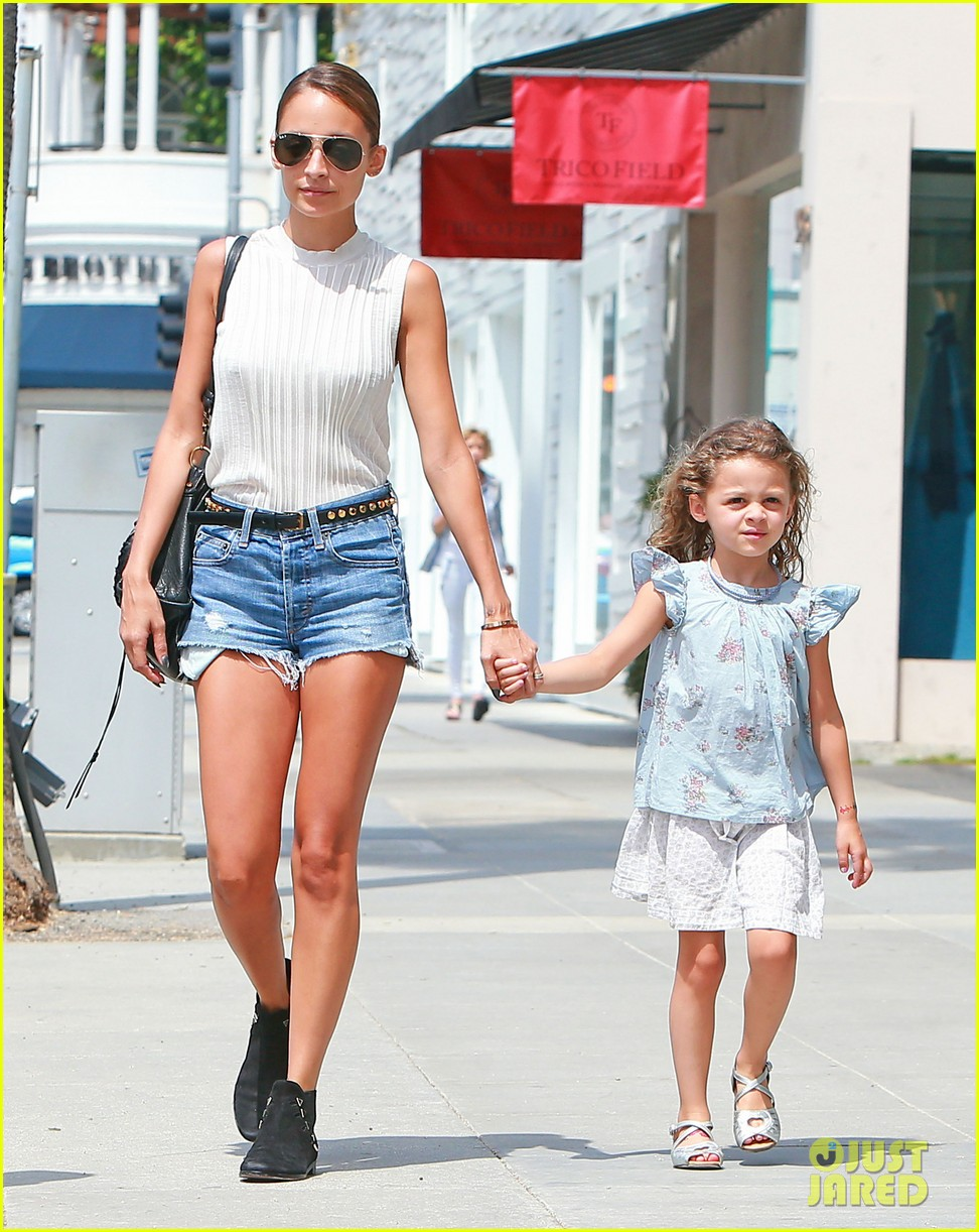 nicole richie shops with harlow after beyonce concert 142903170