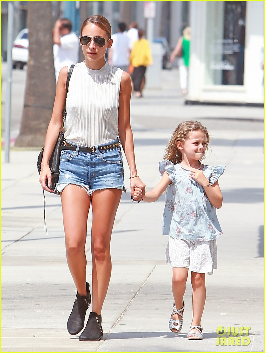 nicole richie shops with harlow after beyonce concert 202903176