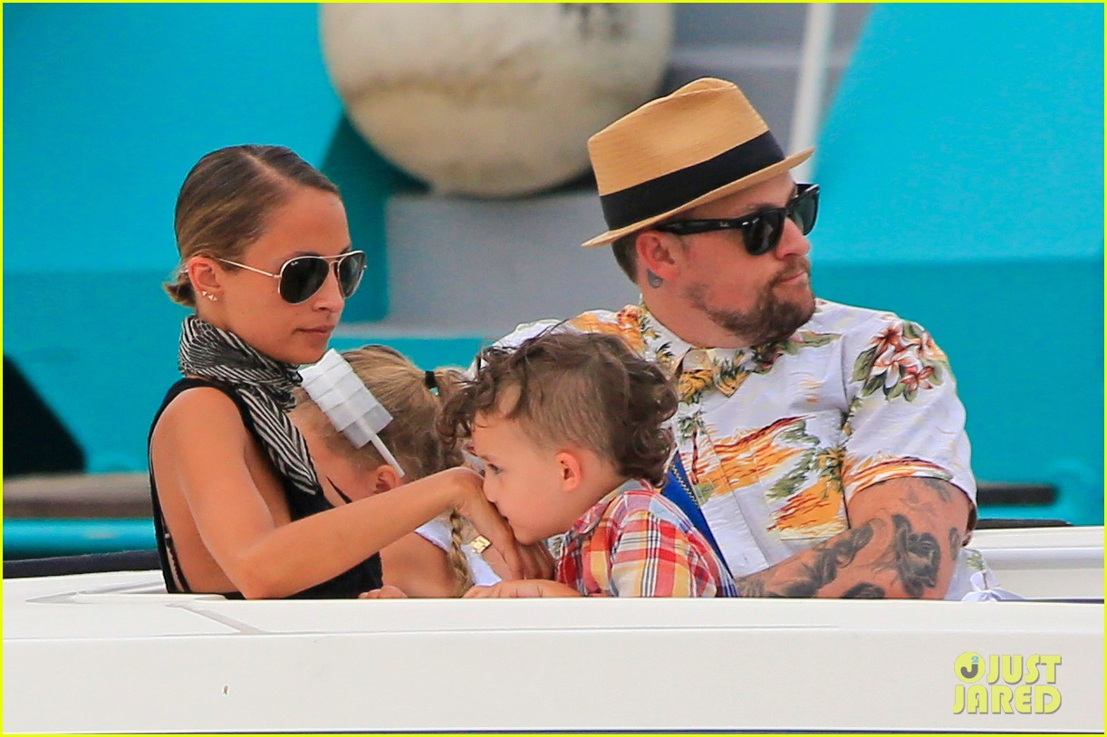 nicole richie bikini vacation with the family 022915126