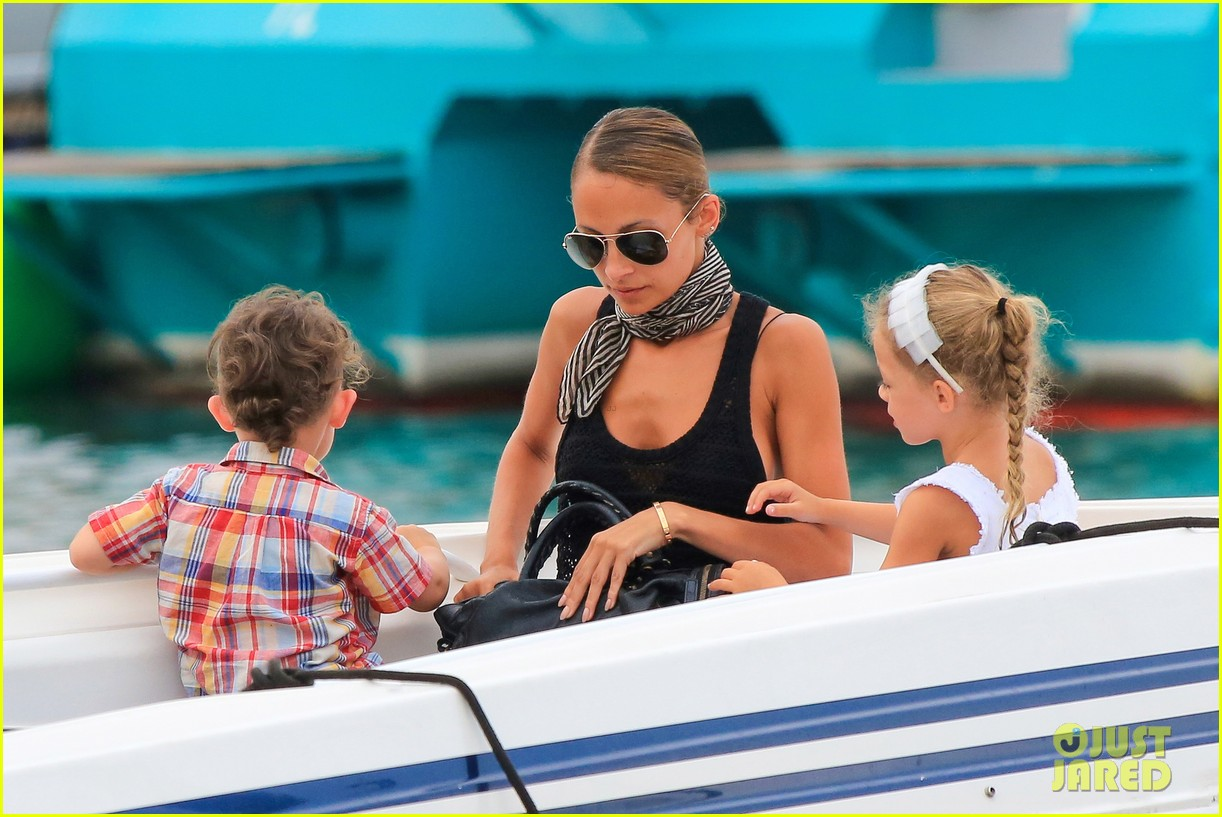 nicole richie bikini vacation with the family 32
