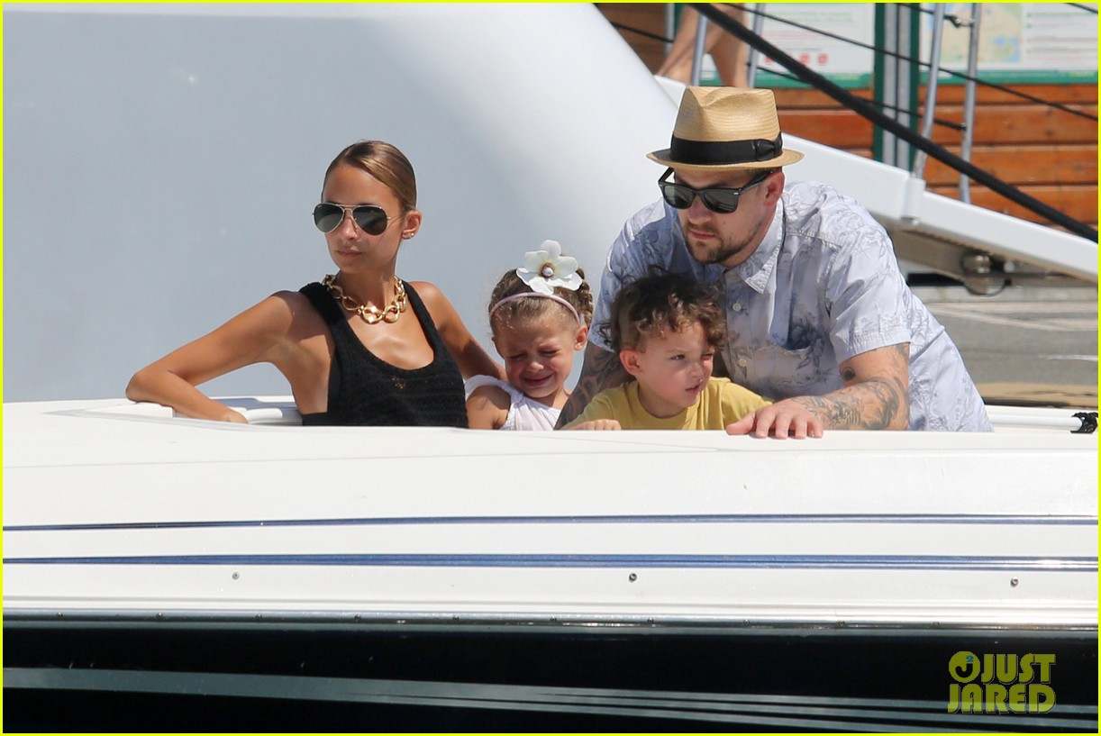 nicole richie continues saint tropez family vacation 04