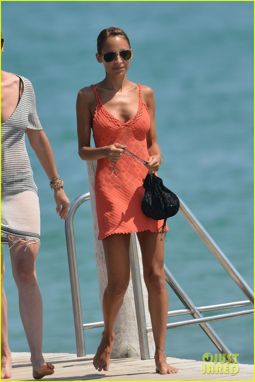 nicole richie continues saint tropez family vacation 04a