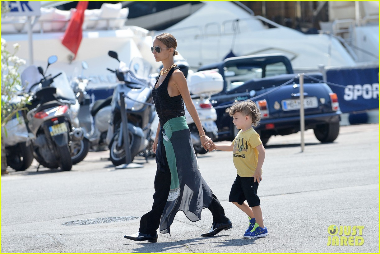 nicole richie continues saint tropez family vacation 202915913