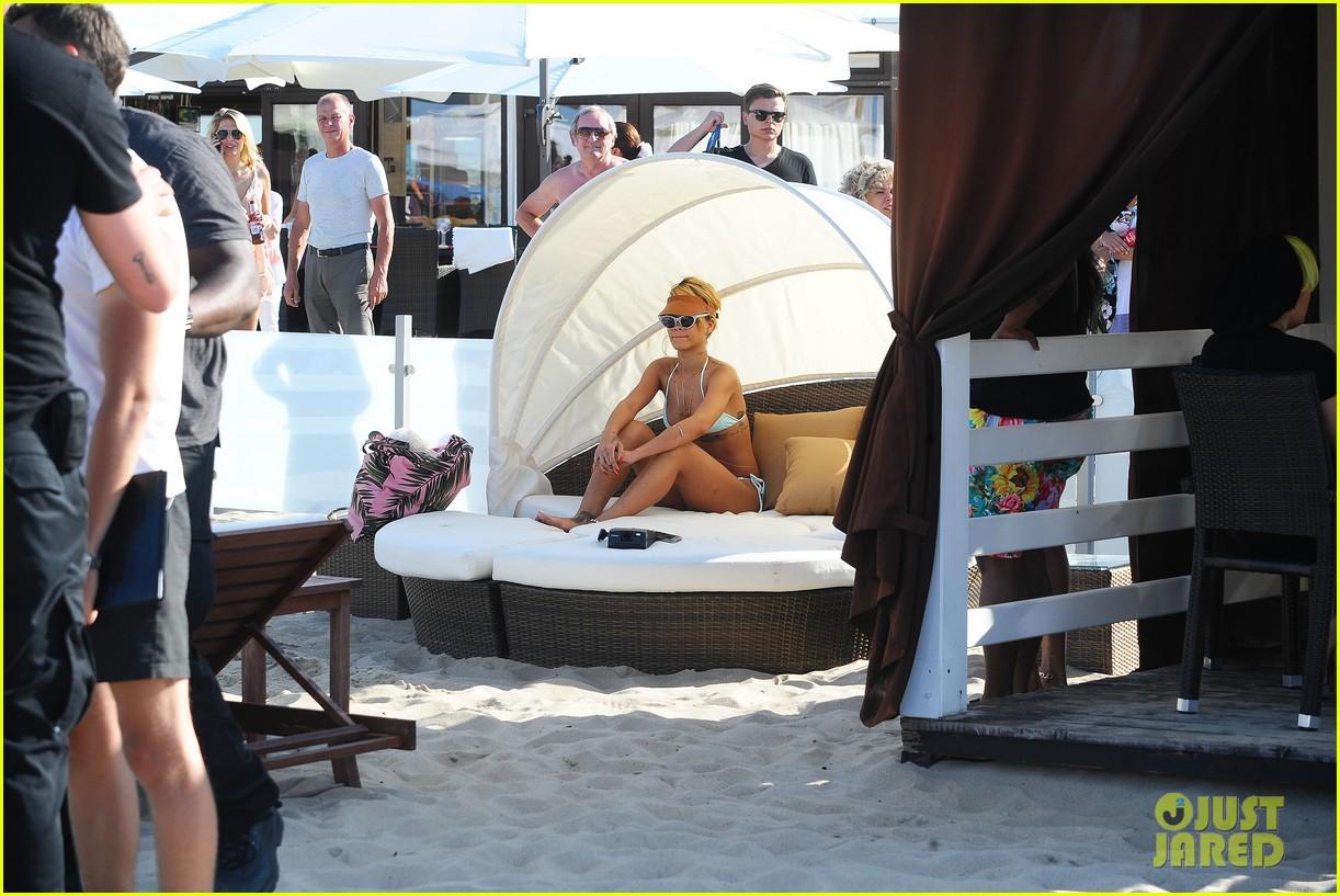 rihanna bikini babe in poland more 202905498