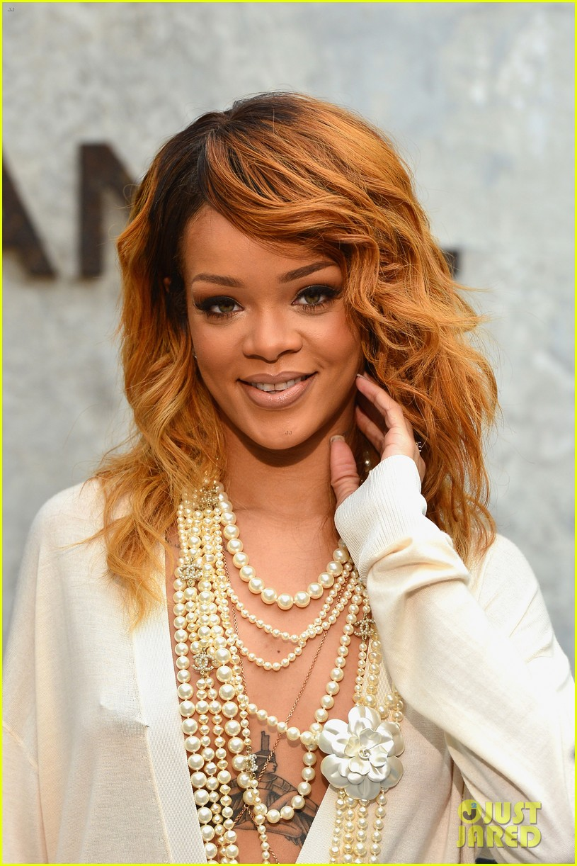 rihanna chanel haute couture fashion show 012902454