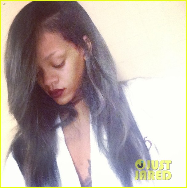 rihanna new grey hair color 032911271