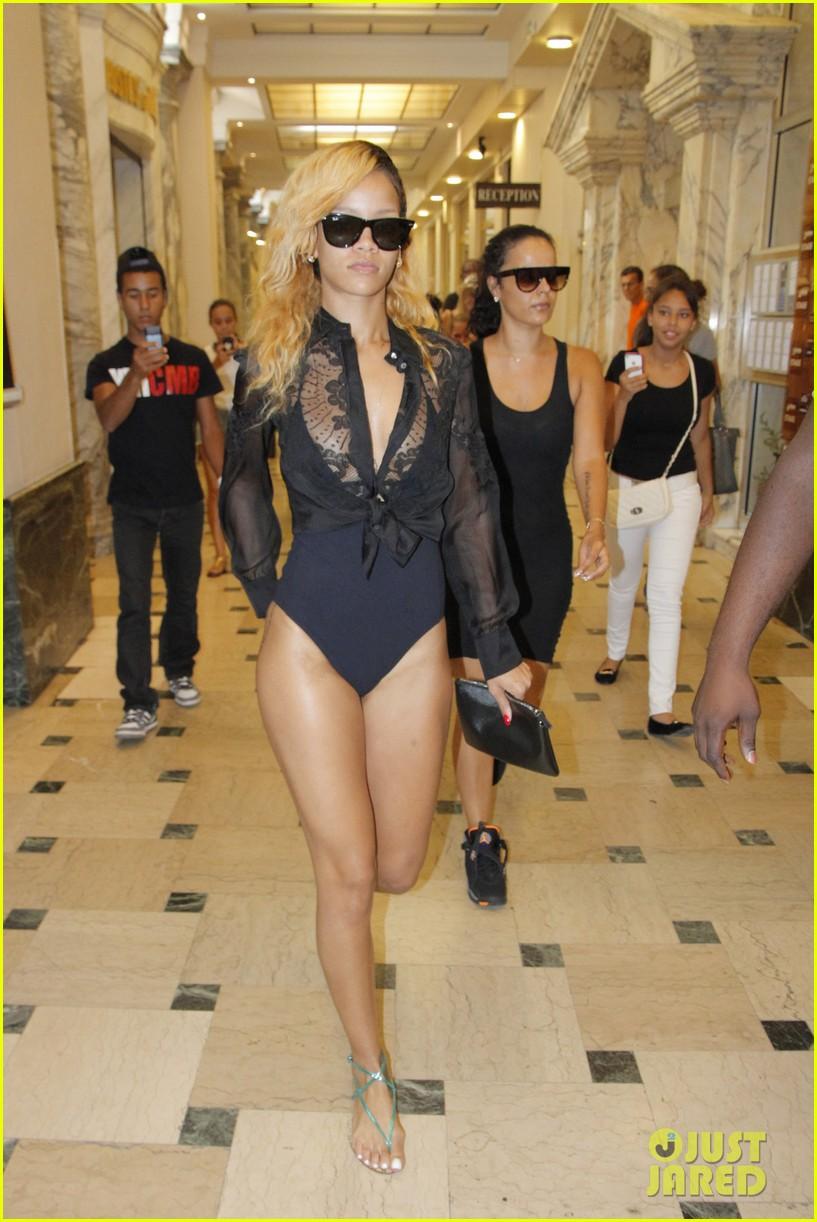 rihanna wears bathing suit while shopping in monaco 012908514