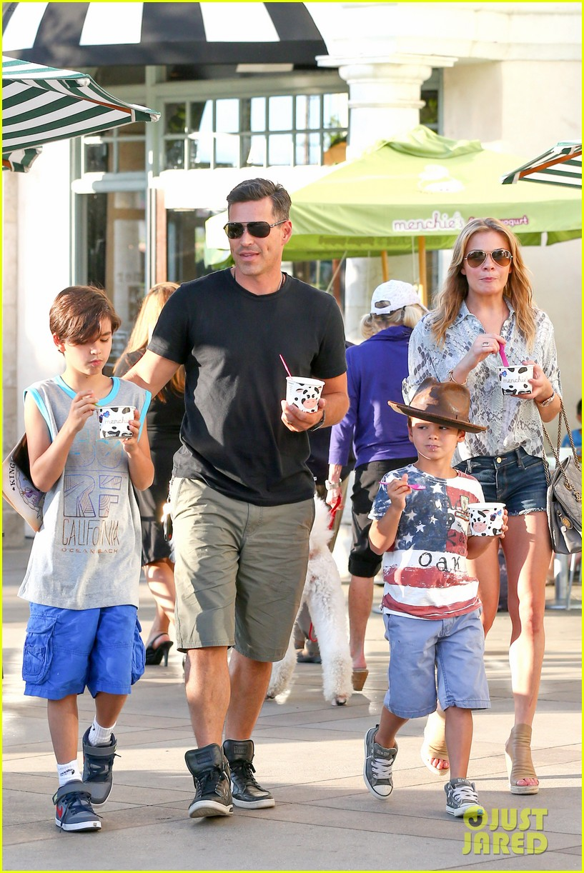 leann rimes eddie cibrian get the menchies munchies 01