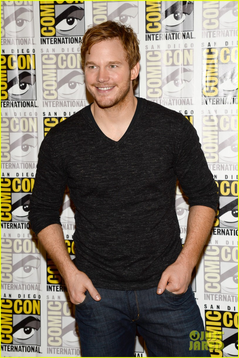 chris pratt zoe saldana guardians of the galaxy comic con panel 162913478