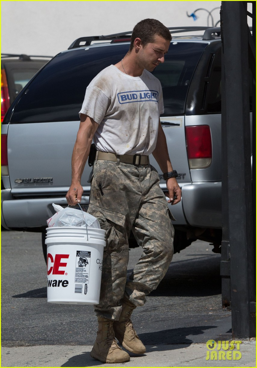 shia labeouf wears same outfit for third time in one week 11