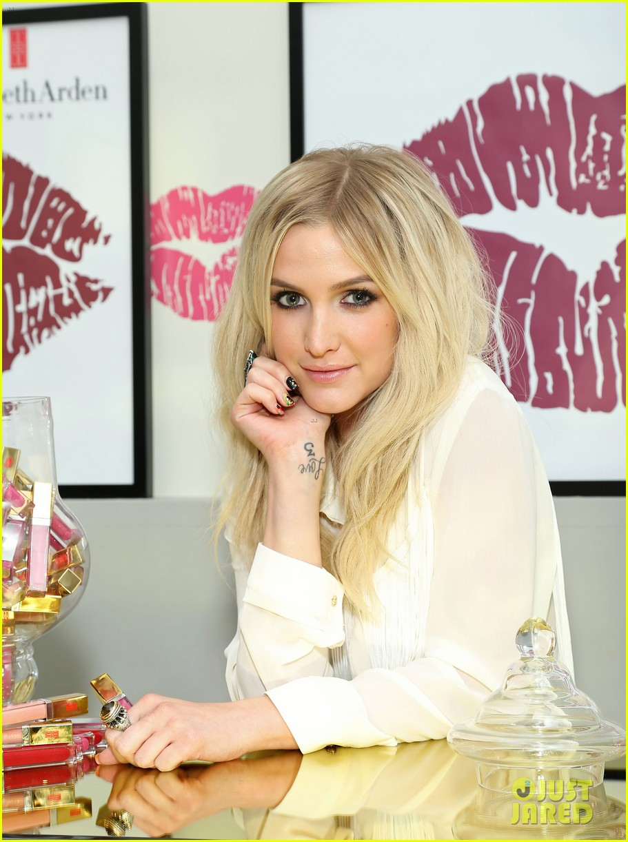 ashlee simpson elizabeth arden beautiful color lip lounge 052908883