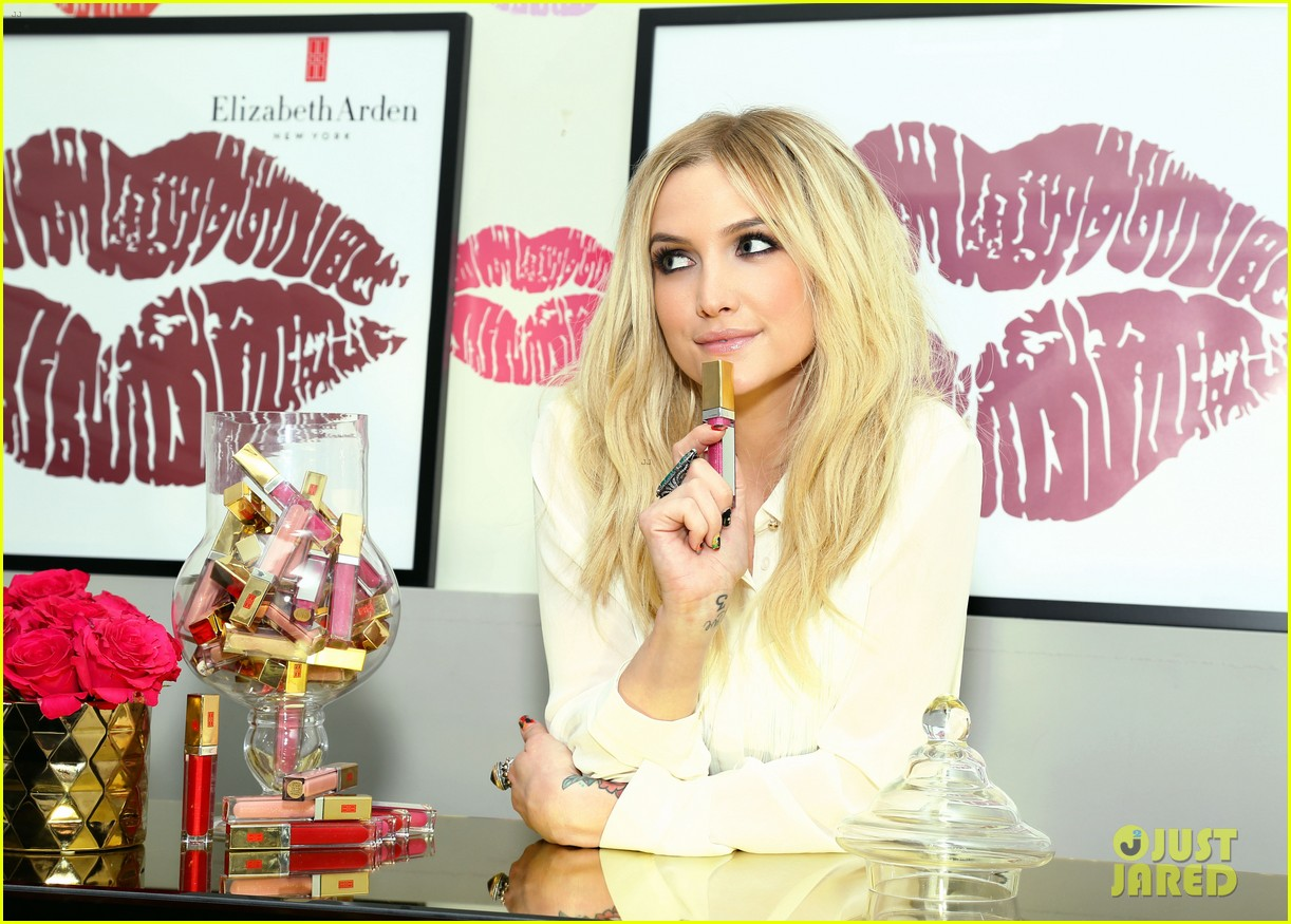 ashlee simpson elizabeth arden beautiful color lip lounge 122908890