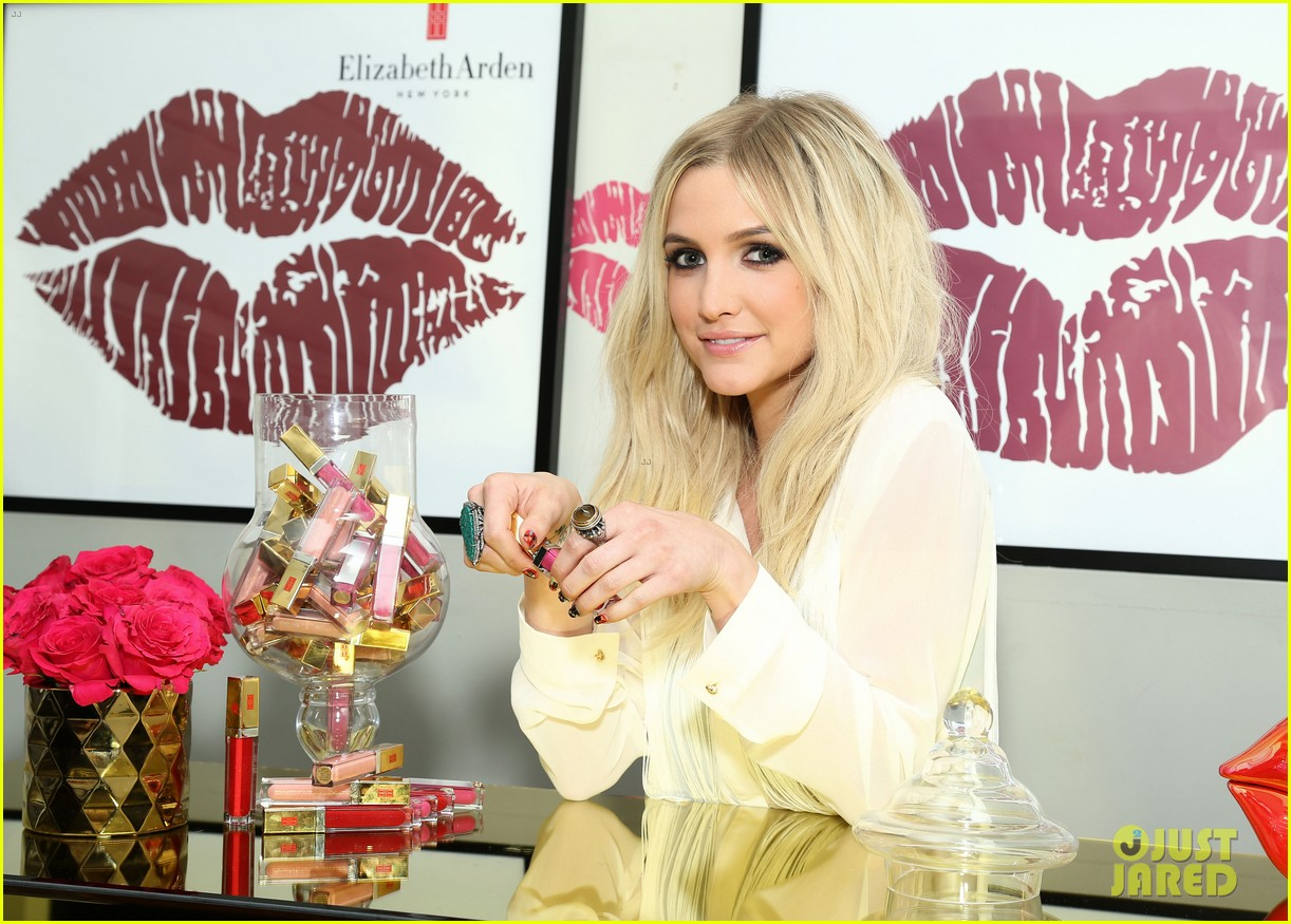 ashlee simpson elizabeth arden beautiful color lip lounge 142908892