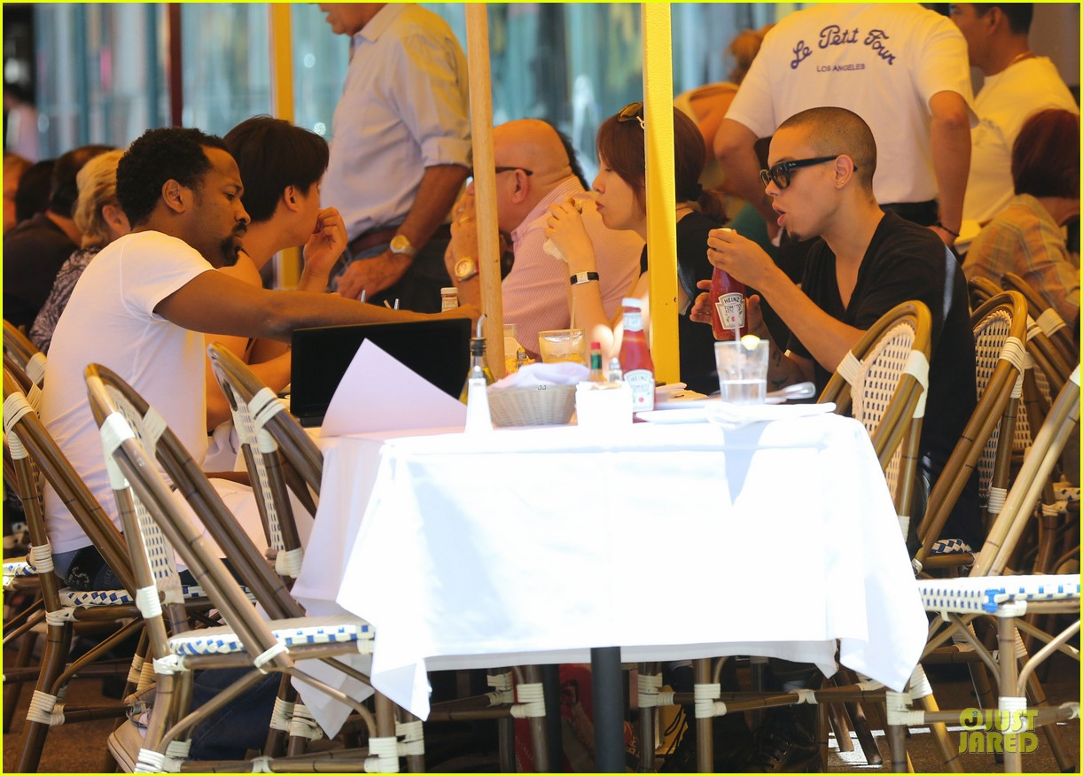 evan ross camouflages ashlee simpson house 132906266