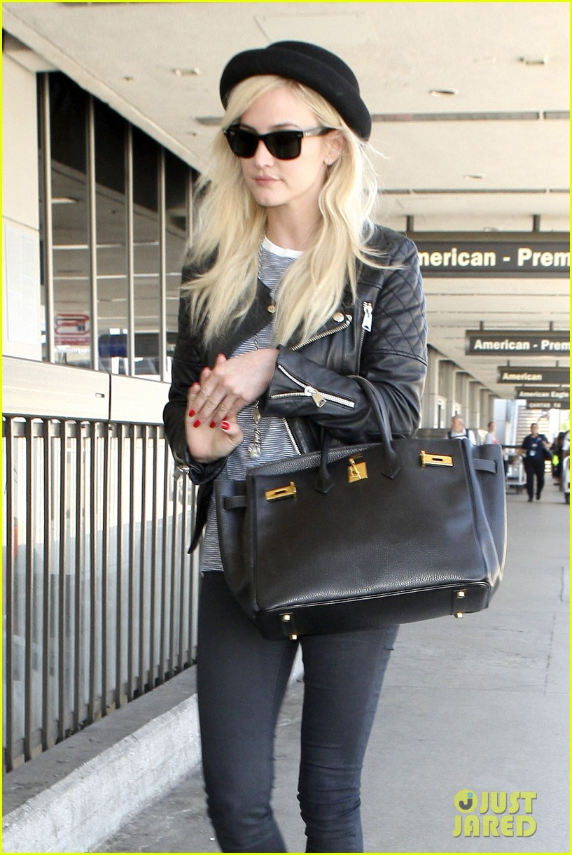 ashlee simpson evan ross travel together out of lax 11