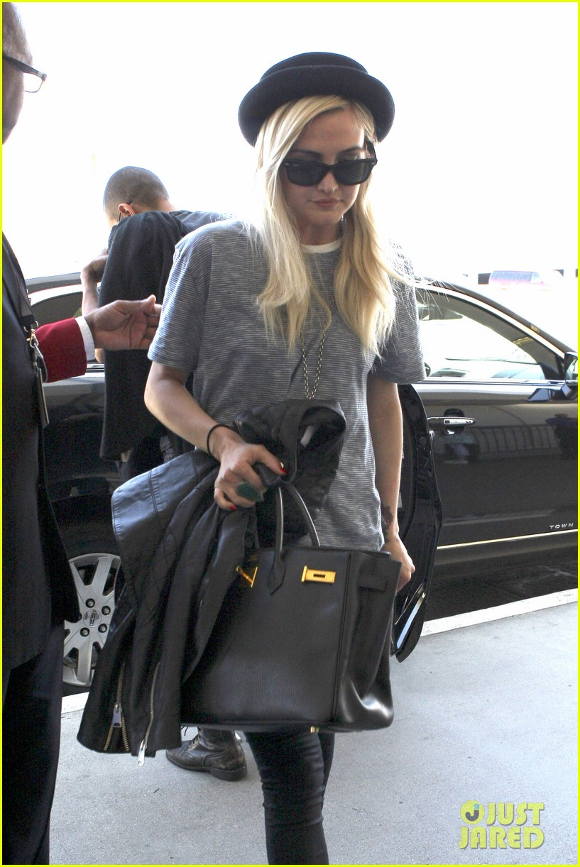 ashlee simpson evan ross travel together out of lax 132920100