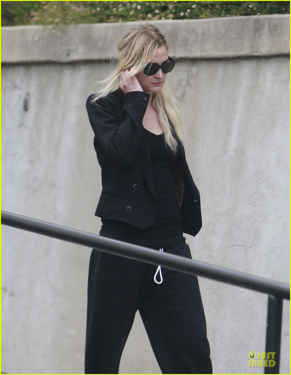 ashlee simpson workin it for chicago 042914453